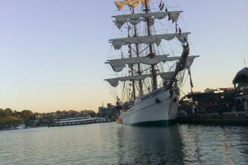 Baltimore-Maryland-Inner-Harbor-boat-ship-water-bay-city-md-sunset