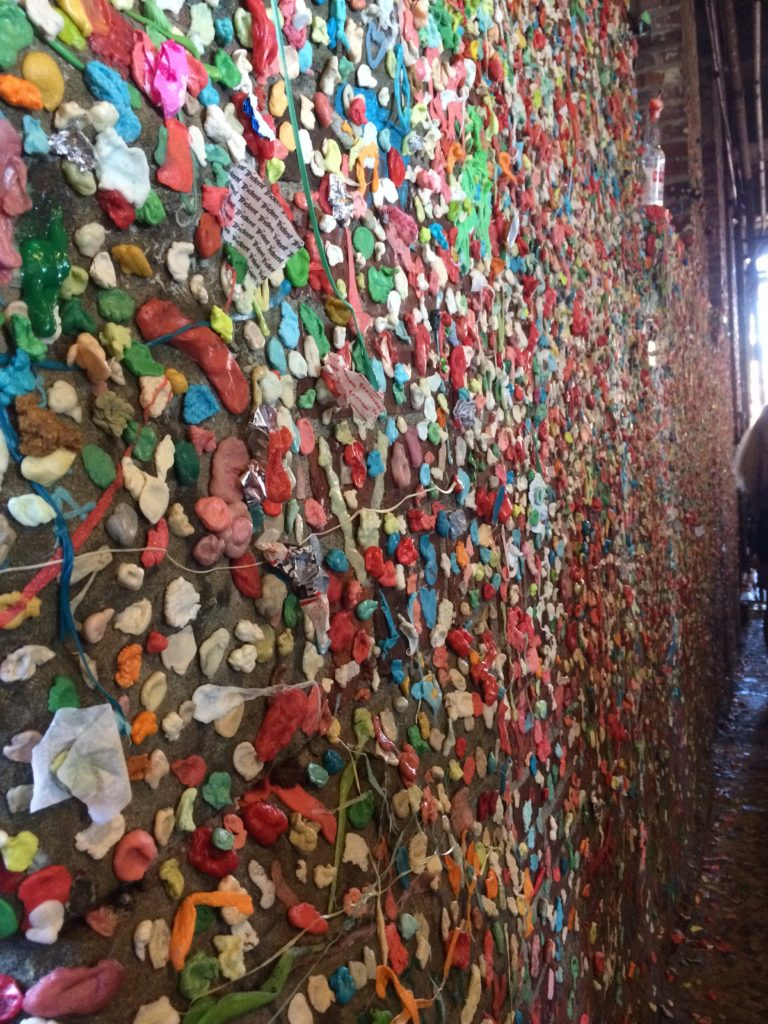 Seattle-washington-pike-place-market-gum-wall-city