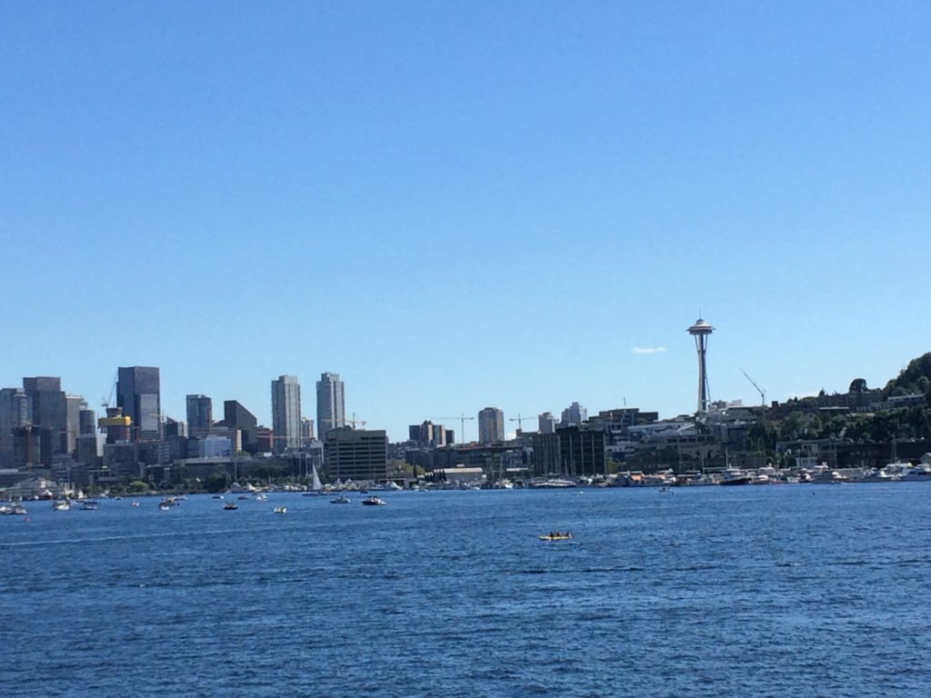Seattle-washington-gas-works-park-skyline-emerald-city-view-waterfront-harbor