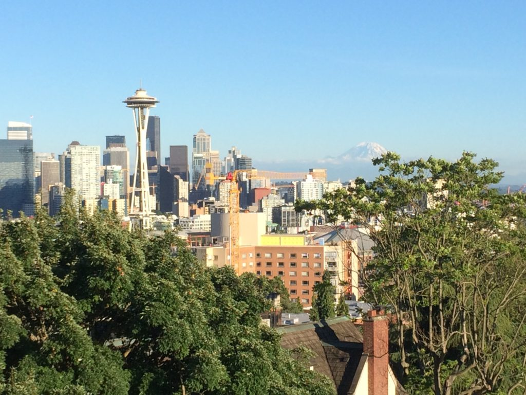 kerry-park-skyline-emerald-city-seattle-washington-space-needle-mountain-rainier-travel