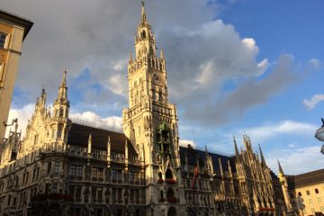 Marienplatz-gothic-church-munich-main-square-architecture-germany-munchen-deutschland-glockenspiel-wikbier-walking-beer